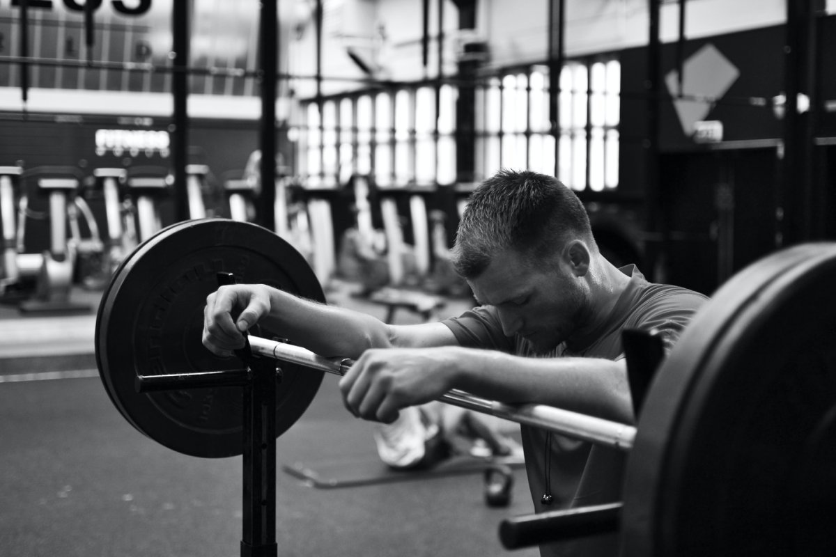 dumbbell squat vs barbell squat